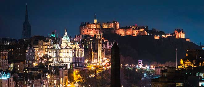 Photo of Edinburgh Castle at night
